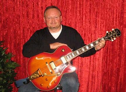 a_Muenster_NEWS_Gitarrenunterricht_Muenster_Gitarrenschule_Jan_Gryz_Gitarrist_Gitarrenlehrer